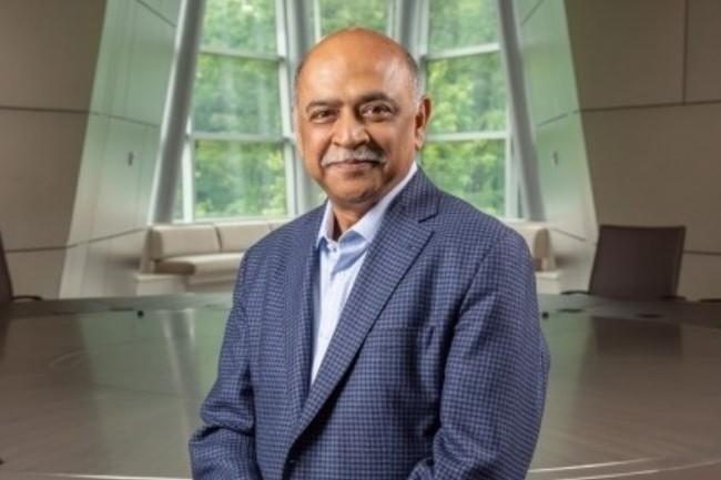 Arvind Krishna, CEO d'IBM, a la lourde tâche de redresser le groupe. (crédit : IBM)