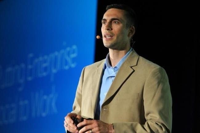 Pour Jared Spataro, vice-président corporate de Microsoft, le travail hybride est le modèle d'avenir dans les entreprises. (Crédit : Microsoft)