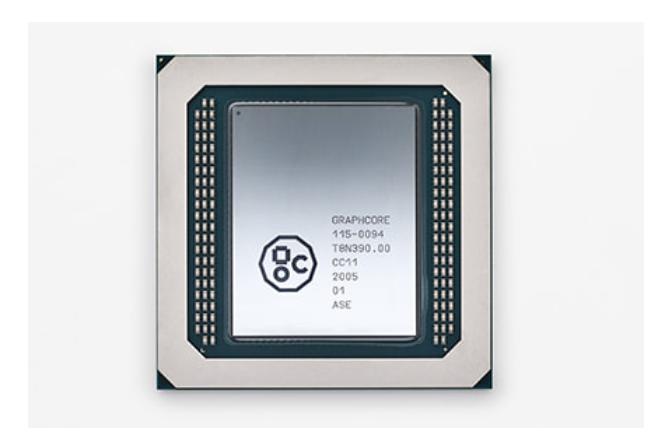 La start-up britannique Graphcore estime que son processeur Colossus MK2 GC200 dédié aux traitements IA peut concurrencer les GPU du géant Nvidia. (Crédit Graphcore)