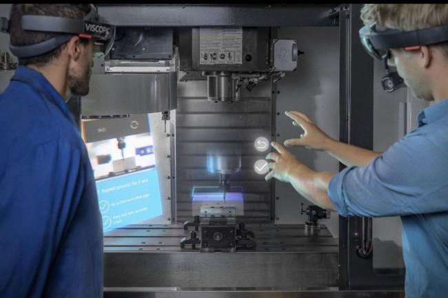 Racheté par TeamViewer, le logiciel de Viscopic permet de créer des hologrammes interactifs et des contenus en réalité mixte pour assister les techniciens situés en première ligne en environnement industriel. (Crédit : Viscopic)
