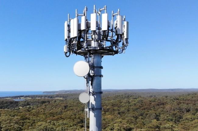 Le nombre de sites 5G activés commercialement progresse notamment chez Free Mobile sur la bande 700 MHz, mais la couverture sur la bande 3,5 GHz reste encore limitée aux grandes villes. (Crédit Photo : Ericsson)