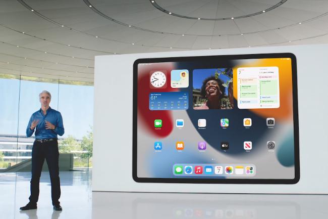 Lors de la WWDC, Apple a présenté iPadOS 15 qui reprend des éléments d'iOS 14. (Crédit Photo : Apple)