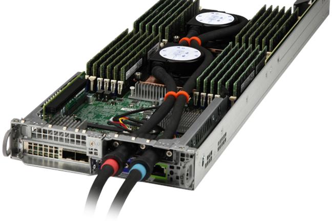 Supermicro travaille avec Asetek pour adapter le refroidissement liquide à sa gamme de serveur. (Crédit Photo: Asetek)