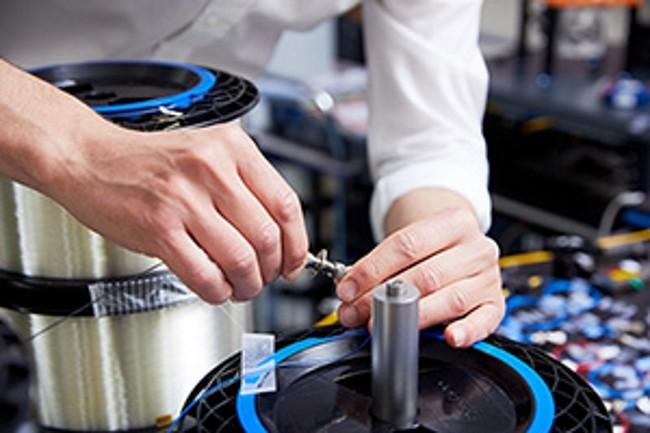 Le laboratoire de recherche de Toshiba � Cambridge a r�ussi une transmission quantique sur un r�seau fibre de plus de 600 km. (Cr�dit Photo : Toshiba)