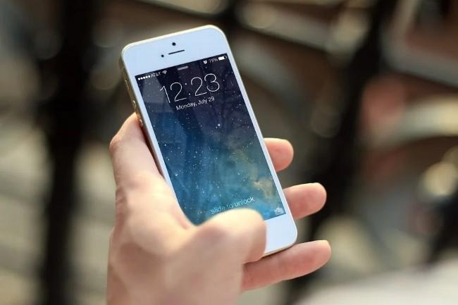 Une cha�ne de caract�res dans le SSID d'un r�seau WiFi peut faire bugger la connexion des iPhone. (Cr�dit Photo : Jeshoot-com/Pixabay)