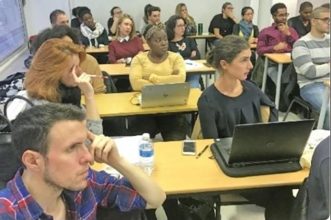 Le parcours « passerelle numérique » vise à enseigner les fondamentaux du web, sans conditions de diplôme. (Crédit photo : Digital School of Paris)