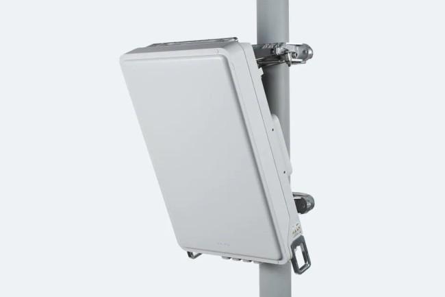 Les antennes Massive MIMO de Nokia AirScale ne pèsent que 17 kg pour une installation plus facile par les opérateurs. (Crédit Photo: Nokia)