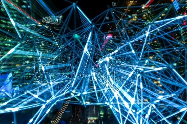 Les administrateurs réseau peuvent exprimer une légère préférence pour DoT, car il leur donne plus de flexibilité. (Crédit Pexels)