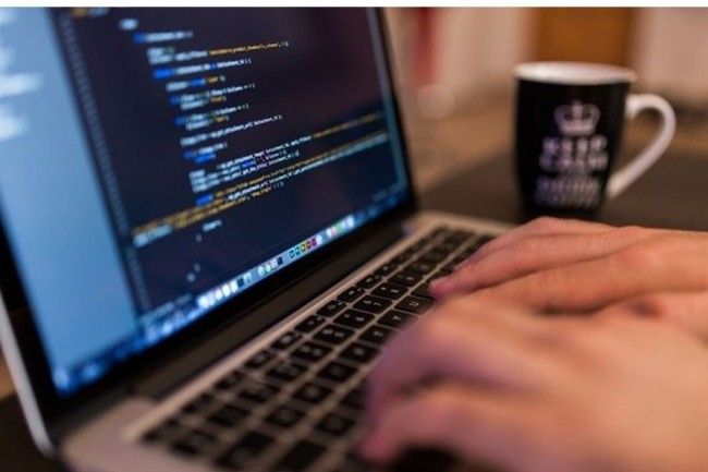 Neobrain note une reprise progressive des postes � pouvoir dans les m�tiers du code et des data. (Cr�dit photo: FreeStock/pixabay)