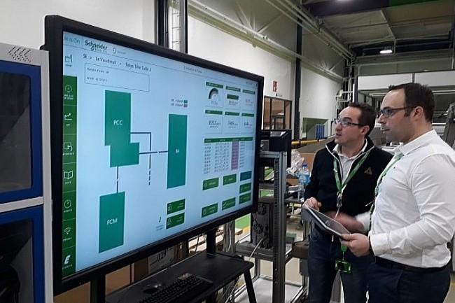 L�usine Schneider Electric labellis�e ��Vitrine Industrie du Futur�� de Le Vaudreuil est d�sormais dot�e d�un r�seau 4G/5G priv�e. (cr�dit : Schneider Electric)