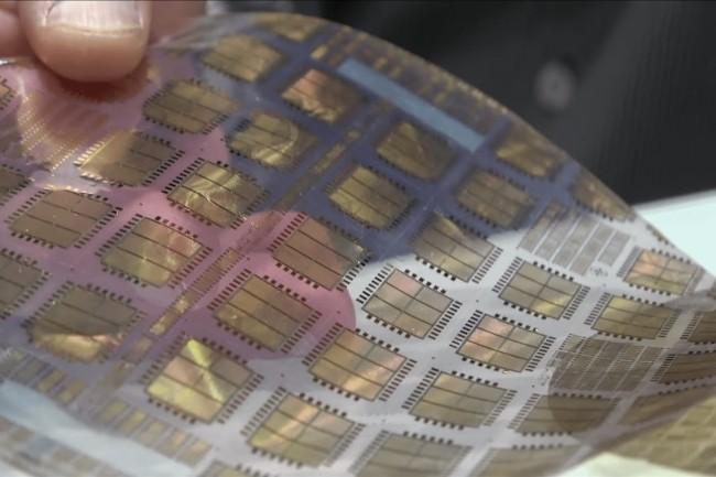 ARM et PragmatIC ont d�velopp� une puce sur du plastique flexible pour un usage plut�t IoT. (Cr�dit Photo: PragamtIC)