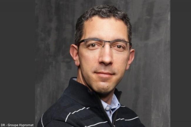 Rapha�l Bostsarron, directeur des op�rations, groupe Hypromat : � Avec des projections fr�quentes d�eau et de savon, l�environnement des bornes exige un dispositif fiable et robuste. �