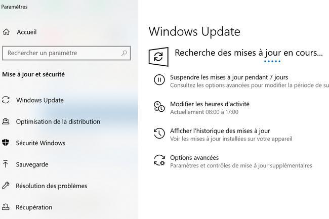 Depuis l'application Param�tres, il est possible de v�rfier les diff�rentes mises � jour disponibles dans Mise � jour et s�curit� puis Windows Update. (Cr�dit : Microsoft)