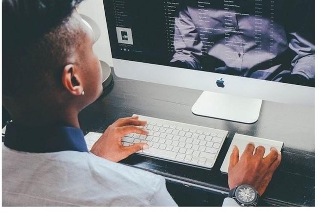 Les projets financ�s par la Grande �cole du num�rique devront renforcer la visibilit� des formations et professions IT aupr�s d'un public cible. (Cr�dit photo: Janeb/Pixabay)