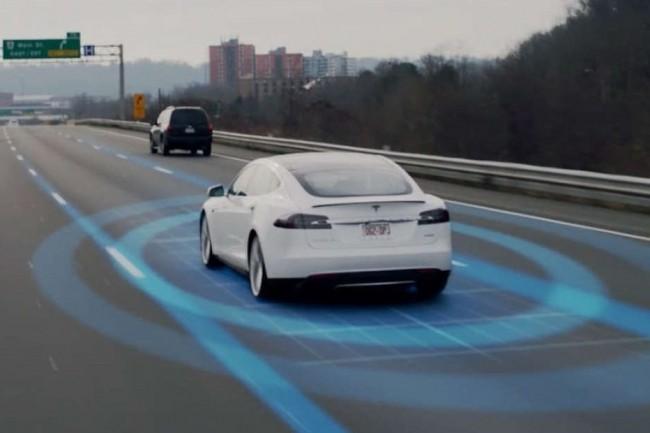 Le syst�me Autopilot de Tesla n'est pas encore un vrai syst�me de conduite autonome de niveau 4 ou 5. (Cr�dit Tesla)