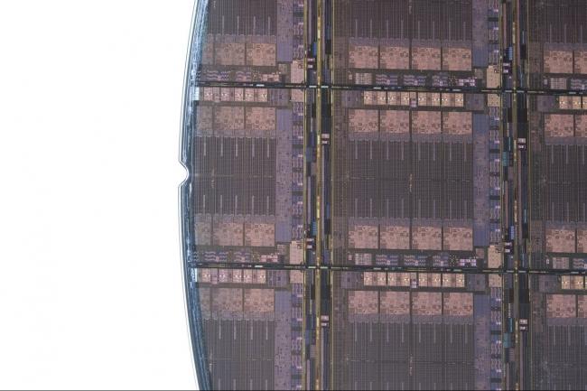 � l�occasion de la manifestation Hot Chips 2021, IBM a d�voil� des d�tails sur son processeur�Telum�attendu avec�les prochains mainframes�du fournisseur, les z16. (Cr�dit IBM)