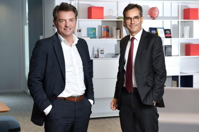 De droite � gauche : Christophe Leblanc, directeur des Ressources et de la Transformation Num�rique du groupe Soci�t� G�n�rale et Bruno Delas, COO et directeur Innovation, Technologies et Informatique de la banque de d�tail en France.