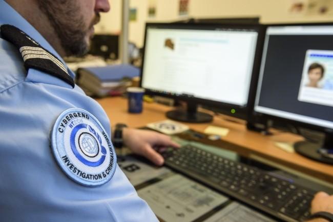 Le commandement de la gendarmerie nationale dans le cyberespace a �t� cr�� au d�but de l'ann�e, mais pleinement op�rationnel depuis le 1er ao�t. (Cr�dit Photo: Gendarmerie Nationale)