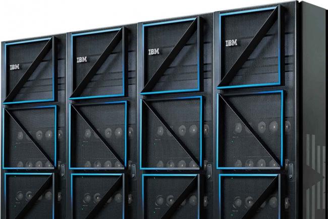 Les serveurs E1080 d�marrent avec huit sockets, avec le chiffrement de la RAM et des fonctionnalit�s RAS pour une r�cup�ration, une auto-r�paration et des diagnostics avanc�s.  (Cr�dit IBM)