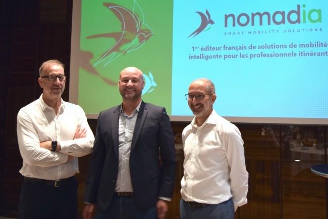 Aux c�t�s de Fabien Br�get (� droite), fondateur et PDG de Nomadia, Franck Garel et J�r�my Mandon (de gauche � droite), respectivement directeur de la R&D et directeur commercial de l'entreprise regroupant d�sormais Geoconcept, Danem et B&B Market. (Cr�dit : Nomadia)