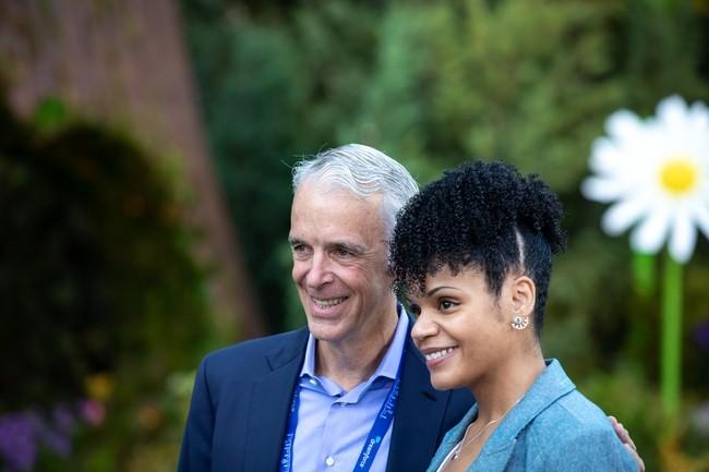 A l'occasion de l'ouverture de Dreamforce 2021, Parker Harris, cofondateur et directeur technique de Salesforce �tait pr�sent aux c�t�s de Marquita Sidibe, administratrice Salesforce chez Liberty Mutual.