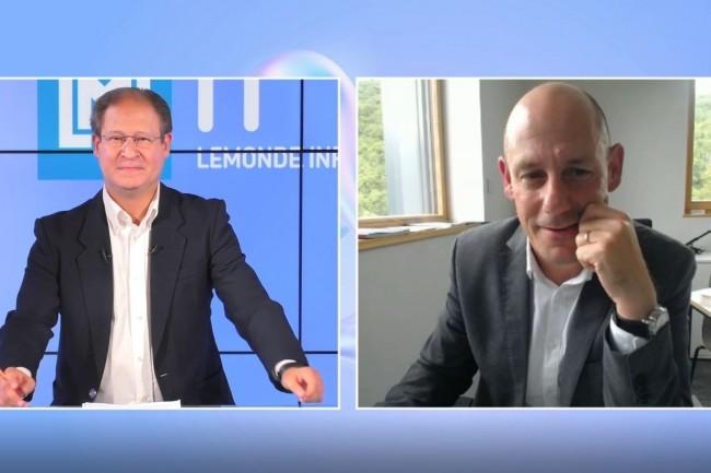 Le grand entretien de l'�mission IT Tour web TV 2021 Auvergne Rh�ne-Alpes est avec Thomas Cheijfec, DSI de Haulotte (� droite) qui r�pond ici � Jacques Cheminat (r�dacteur en chef du Monde Informatique). cr�dit : LMI