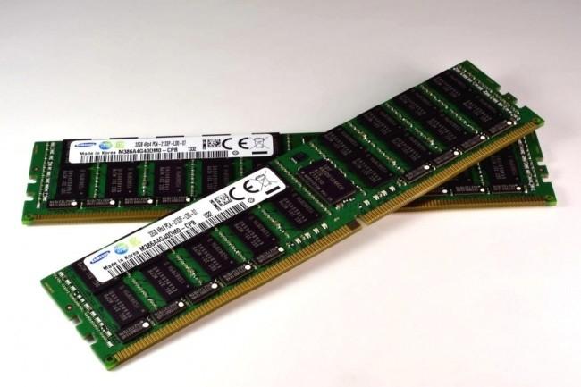Gartner pr�voit une chute des prix de la m�moire DRAM et flash NAND � la fin 2022. (Cr�dit Photo : Samsung)
