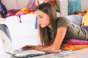Les jeunes plébiscitent l'ordinateur pour les loisirs et les études