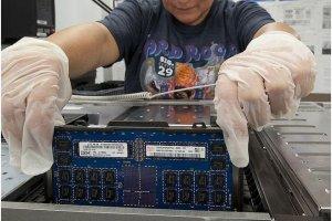 IBM annonce un mainframe � m�moire flash et puce 6 coeurs