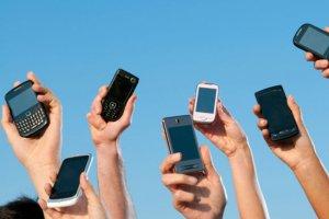 Les ventes de  t�l�phones mobiles reculent en Europe
