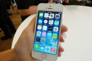 1�res prises en main des iPhone 5C et 5S