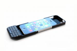 BlackBerry porte plainte contre le fabricant du Typo Keyboard Case