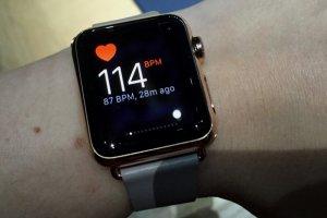 Apple Watch: L'essayer, c'est l'adopter?