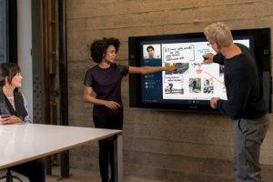 Surface Hub : Le PC tactile 84 pouces Windows 10 arrive cet été