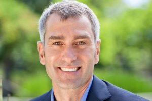 Bill Veghte quitte la direction de la division Entreprise de HP