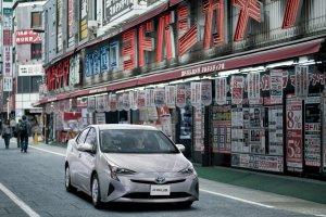 La dernière Toyota Prius parle aux voitures et aux feux rouges