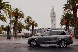 Uber suspend ses tests de voitures autonomes à San Francisco
