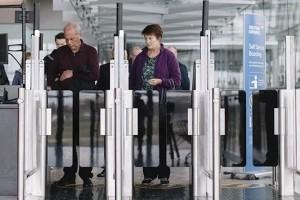 La reconnaissance faciale se déploie aux portes d'embarquement à Heathrow
