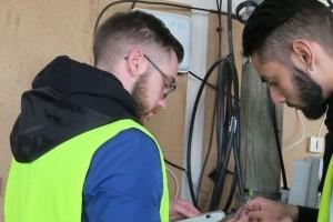 L'Ecole des plombiers du numérique forme des jeunes décrocheurs à la fibre optique