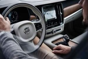 Volvo lance un hackathon axé voiture connectée à Station F