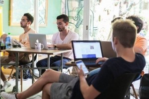 ESCP et Le Wagon forment des cadres dirigeants au code