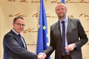 Un accord ANSSI/DSAC pour renforcer la sécurité aérienne
