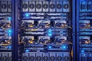 Facebook configure ses millions de serveurs avec un outilpeer-to-peer