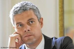 Laurent Wauquiez envoie un SMS aux 370 000 lycéens d'Auvergne Rhône Alpes