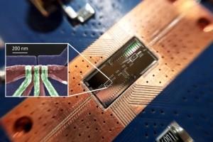 Ordinateur quantique : une communication entre 2 qubits distants établie