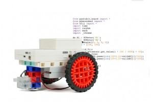 ESPeRobo permet aux plus jeunes d'apprendre à programmer en Python