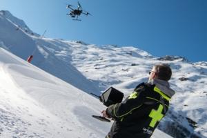Telex: Les pistes de Val Thorens surveillées par drone, Bug bounty fidélité Facebook, MarkLogic racheté par un fonds