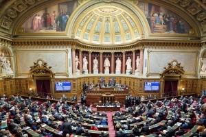Le S�nat adopte une proposition de loi pour r�duire l'empreinte du num�rique