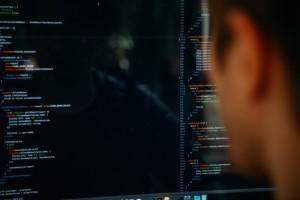 Télétravail, recrutement à distance : le métier de développeur évolue avec la crise