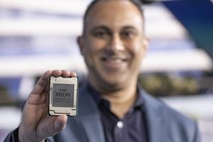 Attaqu�, Intel se d�fend sur plusieurs fronts��